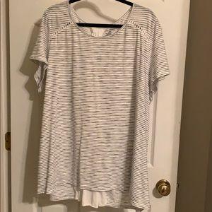 Lane Bryant size 26/28 tie back T-shirt